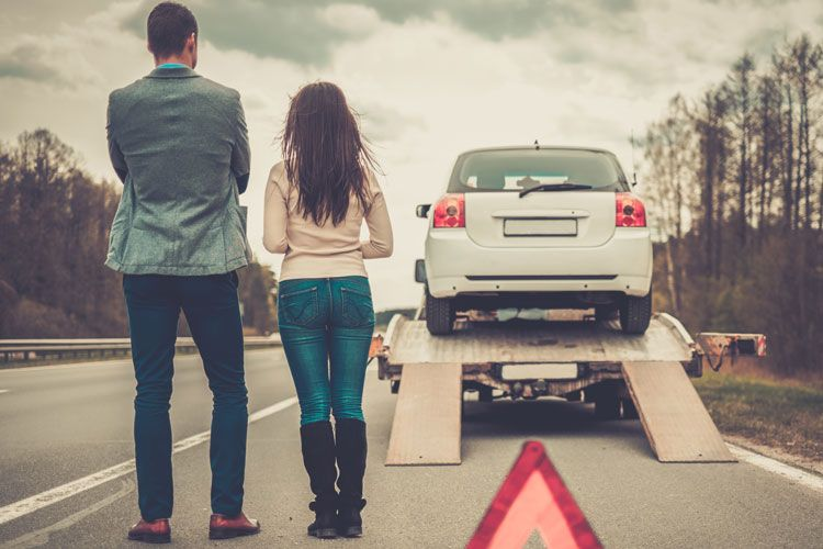 car insurance couple gets towed