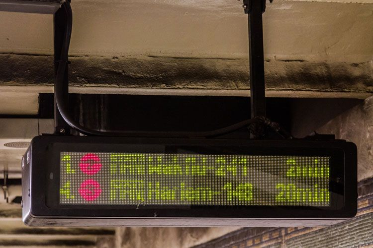 subway arrival clock
