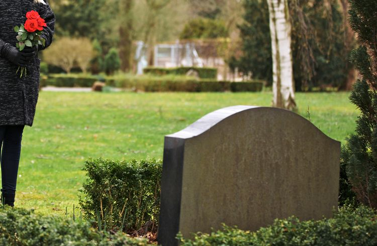 4 Things You Need To Know About Direct Burial | Everplans