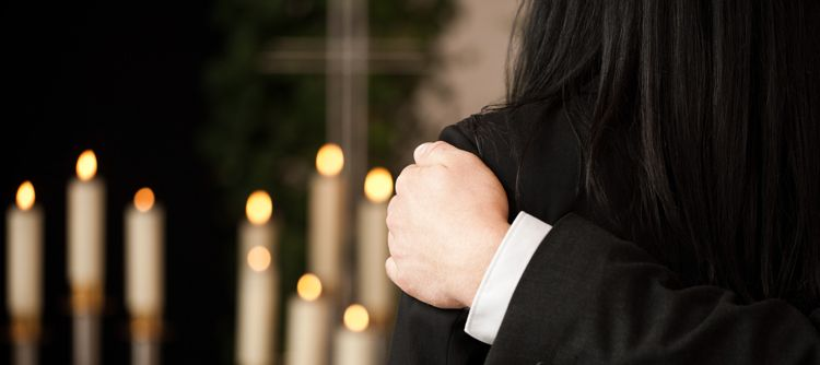 Guide how to invite people to a funeral or memorial service everplans this article on funeral planning is provided by everplans the webs leading resource for planning and organizing your life stopboris Gallery