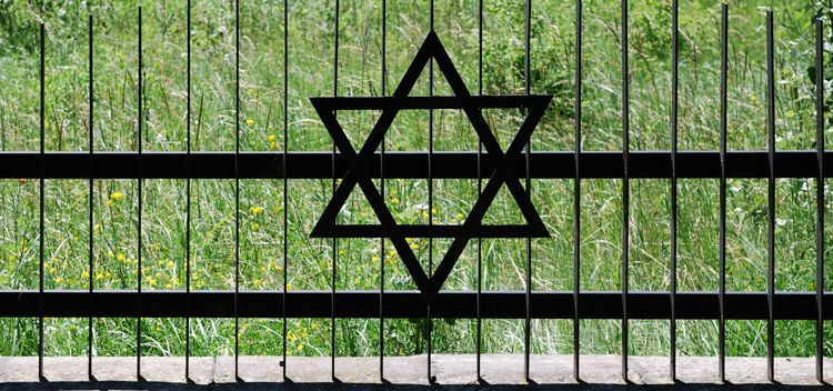 Jewish Funeral Traditions | Everplans