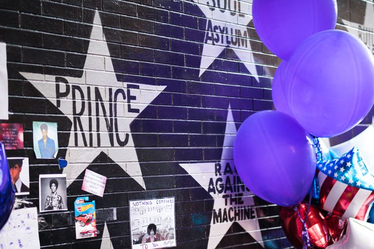 prince memorial wall in minneapolis