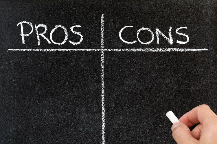 pros and cons chalkboard
