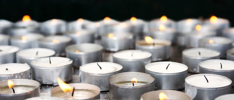 13 Religious Perspectives On Mourning And Memorial Events | Everplans