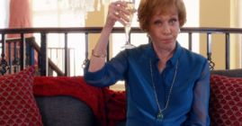 carol burnett toasting on hawaii five-0